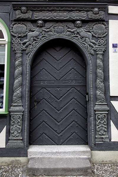 Door 05