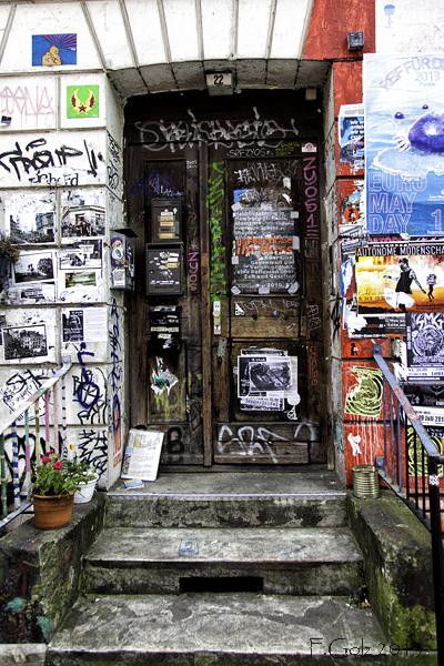 Door 06