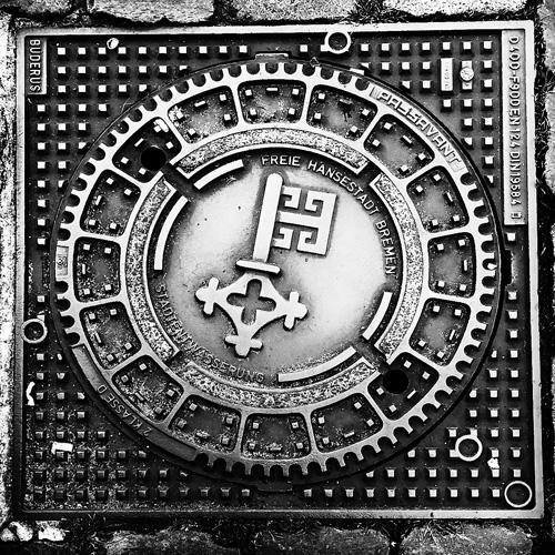 Manhole 04