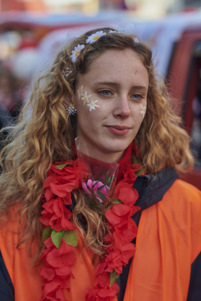 "During Cologne Carnival all cars in the parades are secured by socalled ""Wagen-Engel"" or ""Car Angels"", who are securing the car and thus prevent that spectators would be hurt by coming too close to the vehicle. And in my eyes this young lady personifies the term of a car angel perfectly."